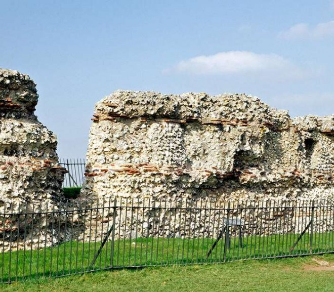 Roman Wall of St Albans-1
